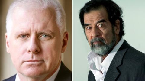 Cựu đặc vụ John Nixon (trái), người đầu tiên hỏi cung Saddam Hussein.