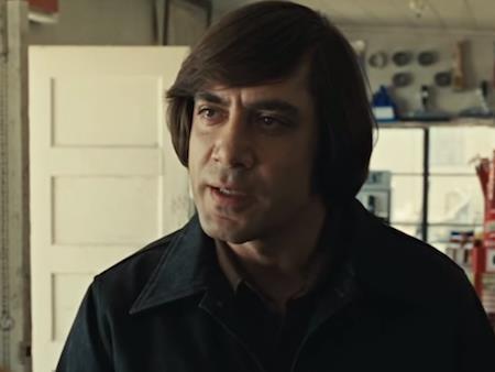 """Bộ phim của anh em đạo diễn Joel Coen và Ethan Coen đã xuất sắc đoạt tới bốn tượng vàng tại lễ trao giải lần thứ 80 của Viện Hàn lâm khoa học và kịch nghệ Mỹ. Dù phải đối diện với hàng loạt đối thủ sừng sỏ như """"Atonement"""", """"Juno"""", """"Michael Clayton"""" và """"There will be blood"""" nhưng chiến thắng của """"No country for old men"""" ở hạng mục quan trọng Phim xuất sắc nhất là hoàn toàn xứng đáng."""