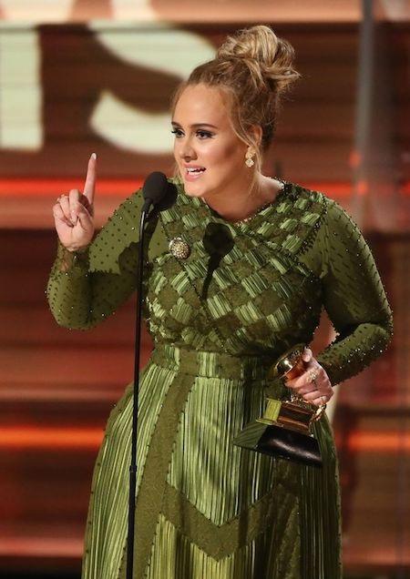 Adele hạnh phúc trong giây phút nhận giải