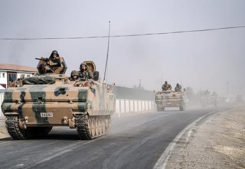 Quân đội Thổ Nhĩ Kỳ tiến vào Syria