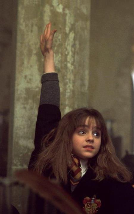 """Khi tham gia bộ phim """"Harry Potter và Hòn đá Phù thuỷ"""" hồi năm 2001, Emma Watson chỉ mới 11 tuổi đầu và trước đó, cô bé mới chỉ """"bỏ túi"""" một vài vai diễn trong các vở kịch tại trường học"""