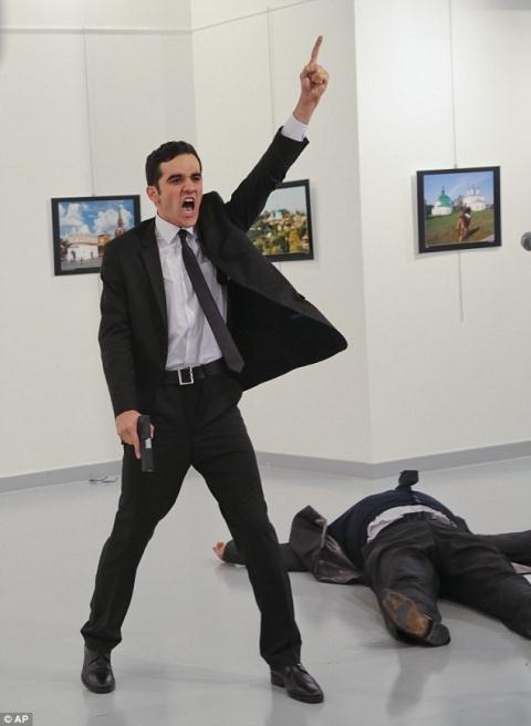 Hung thủ ám sát Đại sứ Nga tại Ankara hồi tháng 12/2016.