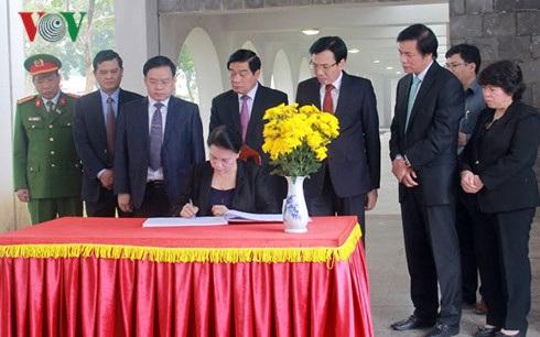 Chủ tịch Quốc hội gợi ý Điện Biên làm du lịch từ cây hoa ban - 2