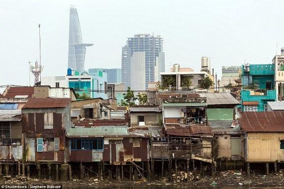 Việt Nam xuất hiện trong bộ ảnh về sự đối lập giàu - nghèo trên báo nước ngoài - 1