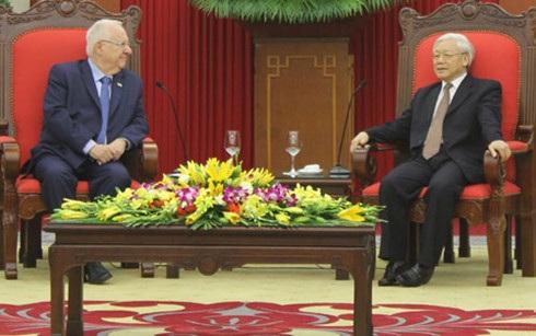 Tổng Bí thư và Tổng thống Israel tại buổi tiếp.