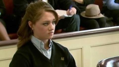 Rachel Canning đã đệ đơn lên tòa án kiện cha mẹ để có tiền đóng học phí