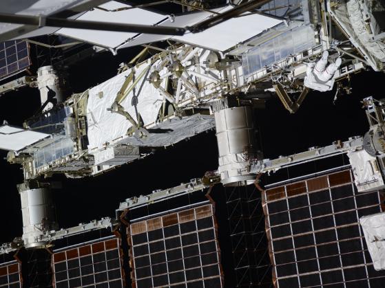 Những bức ảnh ngộ nghĩnh về cuộc sống của các phi hành gia trong không gian - 1