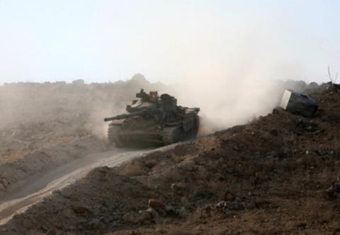 Quân đội Syria tấn công trên tuyến đường Ithriya-Khanasser
