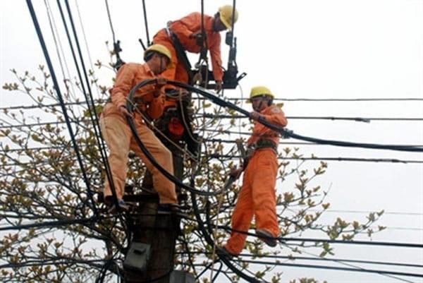 Kiểm tra xử lý các hiện tượng bất thường trên lưới điện