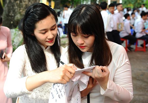 Lần đầu tiên, hệ song bằng tú tại được thí điểm tại Việt Nam ở trường THPT Chu Văn An.