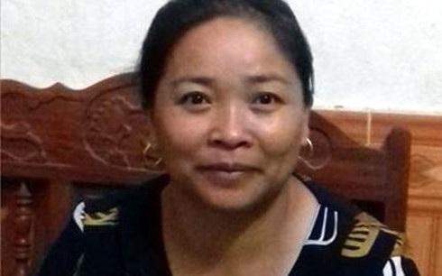 Cô giáo Triệu Thị Nga cho biết: Đã dạy ở trường 27 năm nhưng chưa thấy lãnh đạo nào của Bộ Giáo dục và Đào tạo về thăm trường.