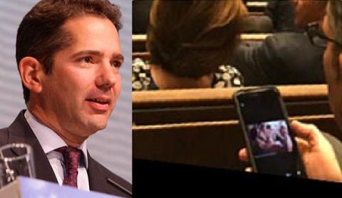 Nghị sĩ xem hình gợi cảm khi đang họp - 2