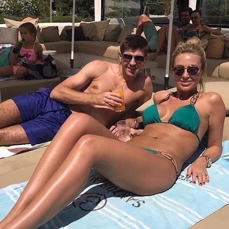 Steven Gerrard đang đi nghỉ với gia đình