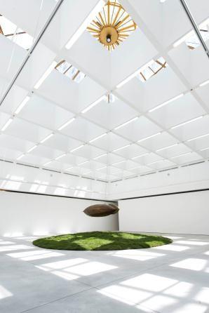 Ngày từ những ngày đầu mở cửa, VCCA đã thực sự thu hút đông đảo công chúng tới tham quan bởi sự độc đáo khi đặt trong không gian trưng bày tràn ngập ánh sáng tự nhiên trong lòng đất tại KĐT Royal City.