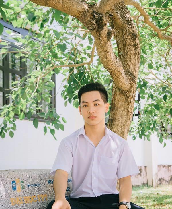 Trần Đình Duy là thí sinh duy nhất của tỉnh Quảng Nam đạt 10 môn Văn.