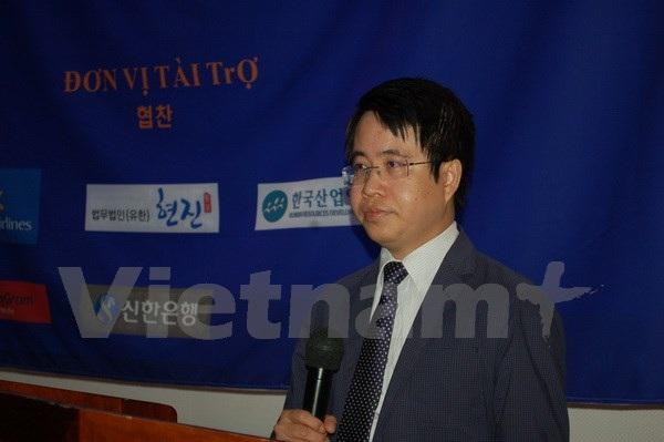 Phó Đại sứ Trần Anh Vũ phát biểu. (Ảnh: Vũ Toàn-Hữu Tuyên/Vietnam+)