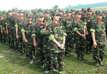 """Các em học sinh trong một """"học kỳ quân đội"""" tại thị xã Hương Thủy, tỉnh Thừa Thiên - Huế. (Ảnh: Đại Dương)"""