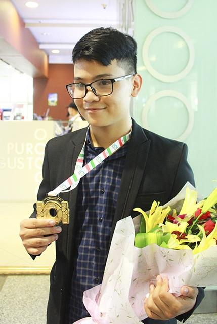 Lê Quang Tuấn là thí sinh Đông Nam Á duy nhất đoạt huy chương vàng Olympic Tin học Quốc tế 2017.