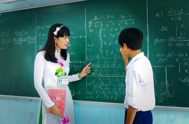 Chuẩn mới ban hành phải đảm bảo đánh giá khách quan, công bằng nếu không sẽ trở thành gánh nặng, áp lực khiến các thầy cô giáo khó lòng an tâm công tác (ảnh minh họa).