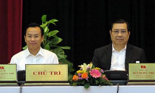 Chủ tịch UBND TP Đà Nẵng Huỳnh Đức Thơ (phải) cùng Bí thư Thành ủy TP Đà Nẵng Nguyễn Xuân Anh trong một cuộc họp - Ảnh: Báo Đà Nẵng
