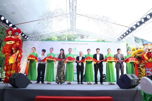 Công ty Việt Hương khánh thành nhà máy sản xuất mỹ phẩm - 1