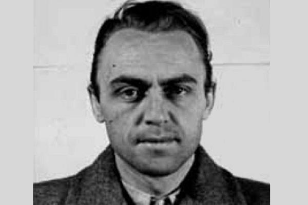 """Thiếu tá SS-Alfred Naujocks là người đứng đầu chiến dịch làm tiền giả mạo, mang mã danh """"Andreas"""""""
