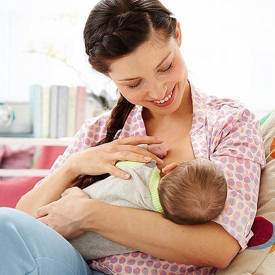 Nuôi con bằng sữa mẹ giúp trẻ ăn nhiều rau hơn - 1