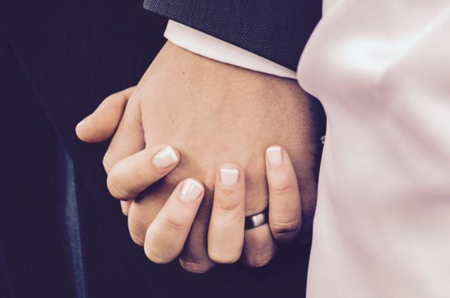 Hôn nhân khiến bạn bao dung và kiểm soát bản thân tốt hơn - 1