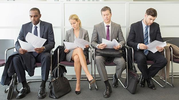 Rất nhiều tổ chức đã thông qua nguyên tắc chờ đợi khi tổ chức tuyển dụng các ứng viên
