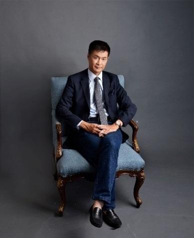 """Đạo diễn Lê Hoàng """"gây bão"""" dư luận với bài viết """"phê phán"""" phụ nữ Việt còn """"bỏ bê"""" bản thân."""