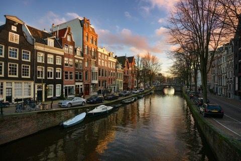 Amsterdam dừng mở thêm cửa hàng phục vụ du lịch - 1