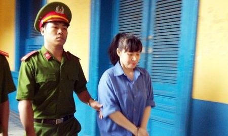 Phạm Thị Thủy Tiên sau phiên tòa.