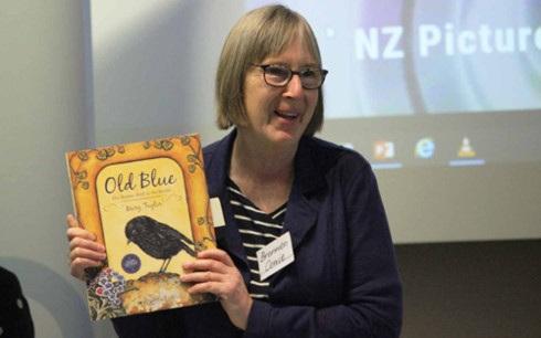 Bà Bronwen Cowie, Giám đốc Viện nghiên cứu giáo dục Wilf Malcolm, Khoa Giáo dục Đại học Waikato (New Zealand).