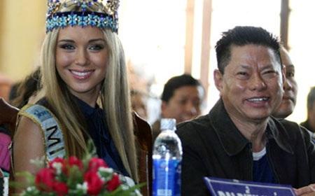 Ông Hoàng Kiều còn nổi tiếng trong các cuộc thi liên quan đến sắc đẹp