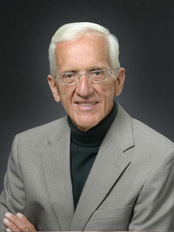 Tiến sĩ T. Colin Campbell - cánh chim đầu đàn trong lĩnh vực nghiên cứu dinh dưỡng.