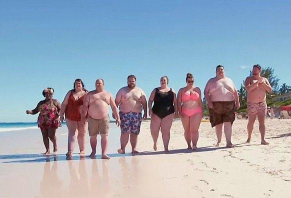 Nhóm người Anh với cân nặng từ 114 kg đến 190 kg là những du khách đầu tiên của khu nghỉ dưỡng