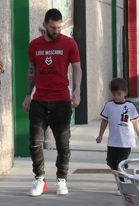 Messi vừa tổ chức sinh nhật cho con trai