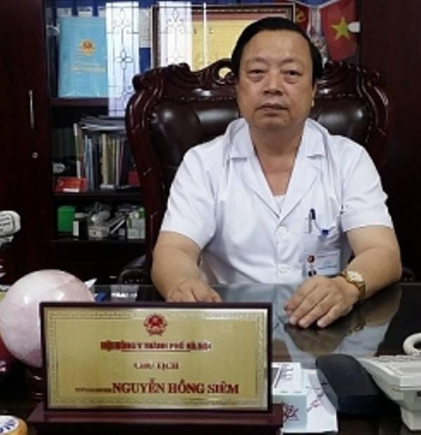 Thầy thuốc Ưu tú Nguyễn Hồng Siêm.