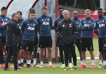 Thầy trò Mourinho đang tận hưởng những ngày nghỉ ngắn ngủi
