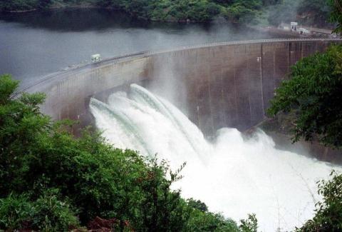 Hợp tác nguồn nước với Trung Quốc gây lo ngại cho nước láng giềng.