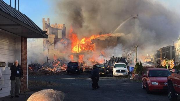 Vụ hỏa hoạn gây thiệt hại cho 20 căn nhà