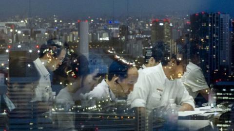 Nhật Bản có môi trường làm việc áp lực nhất nhì thế giới.
