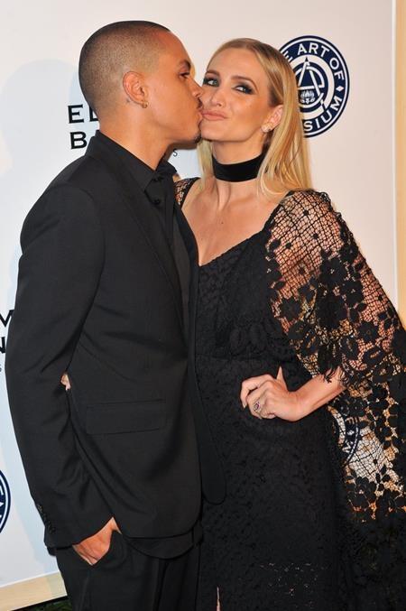 Ashlee Simpson và Evan Ross cực kì đẹp đôi bên nhau