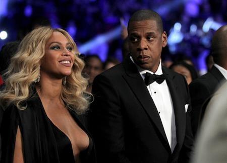 """Beyoncé và Jay-Z đã hết sức """"kín tiếng"""" khi Queen Bey mang thai bé Blue Ivy Carter và mới đây, cặp đôi vàng của làng giải trí tiếp tục khiến cho công chúng vô cùng ngạc nhiên khi thông báo chuyện tổ ấm của cả hai sắp chào đón thêm một cặp sinh đôi."""