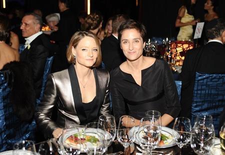 """Hồi năm 2014, Jodie Foster cũng tổ chức một hôn lễ """"kín tiếng"""" cùng người bạn gái Alexandra Hedison"""