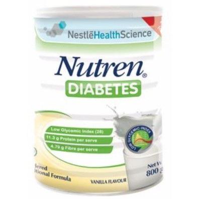 Ngoài ra để đạt hiệu quả tốt nhất, bệnh nhân đái tháo đường cần duy trì một chế độ ăn hiệu quả. Theo các chuyên gia, ẩm thực điều trị bệnh đái tháo đường gồm 3 nguyên tắc cơ bản: cân bằng tổng năng lượng; cân bằng chất dinh dưỡng và cân bằng phân bố thức ăn. Các bệnh nhân có thể tham khảo sử dụng Nutren Diabetes – công thức dinh dưỡng đến từ Nestlé Thụy Sĩ, cung cấp dinh dưỡng hoàn chỉnh cho người đái tháo đường hoặc có nguy cơ mắc bệnh, giúp ổn định đường huyết và hỗ trợ phòng ngừa biến chứng. Sản phẩm với công thức đến từ Nestlé Thụy Sĩ, Nutren Diabetes đáp ứng khuyến nghị mới nhất năm 2013 của Hiệp hội Đái tháo đường Hoa Kỳ với đạm Whey chất lượng – tiêu hóa tốt, chỉ số đường huyết thấp - ổn định đường huyết; Giàu MUFA, PUFA – giảm nguy cơ mắc bệnh tim mạch và có chứa 100% chất xơ hòa tan – kiểm soát đường huyết.
