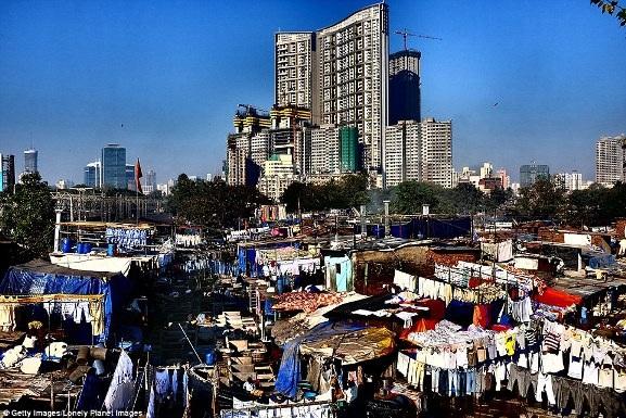 Việt Nam xuất hiện trong bộ ảnh về sự đối lập giàu - nghèo trên báo nước ngoài - 11