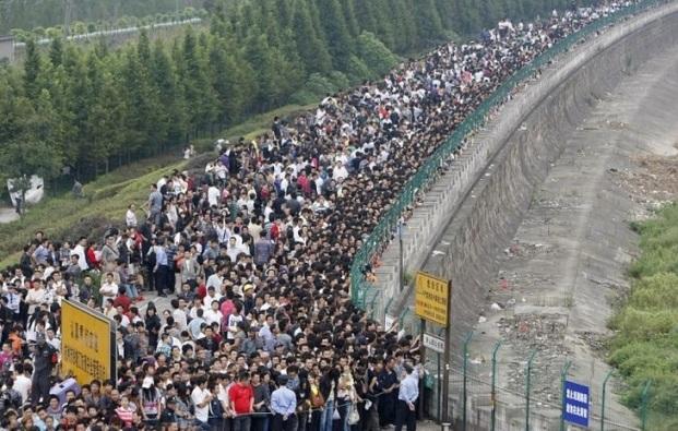 Những bức ảnh khiến bạn sửng sốt về tình trạng dân số ở Trung Quốc - 11