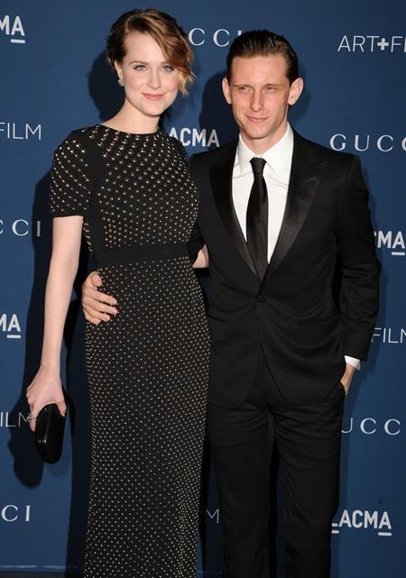 Còn chưa chịu công khai chuyện đính hôn với người hâm mộ thì vào tháng 11/2012, Evan Rachel Wood và Jamie Bell đã bí mật làm đám cưới, tuy nhiên, cặp sao sau đó cũng đã chia tay vào tháng 5/2014