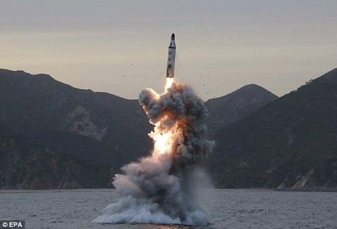 Vì sao ông Kim Jong-un không hề e sợ khi Mỹ rầm rộ điều quân đến - 12